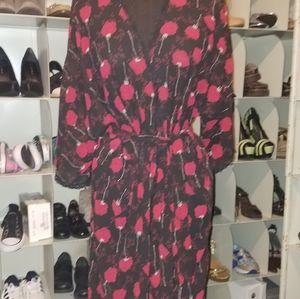 Gillian & O'Malley black red floral robe medium
